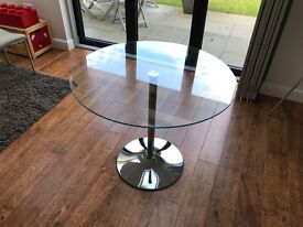 Round glass table - very good condition