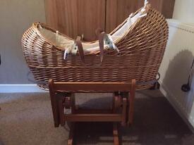 Sliding Moses basket