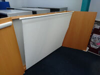 PROJECTOR SCREEN/ WHITEBOARD/ FLIPCHART BOARD