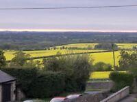 Double Room in a pretty village very quiet location. Easy access M40 Banbury Oxford Brackley