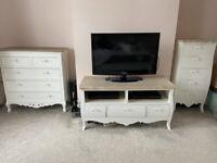 Furniture (shabby chic)