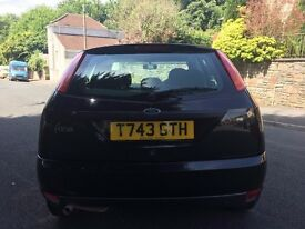 BLACK FORD FOCUS ZETEC ** MOT UNTIL 2ND MAY 2018 **