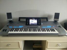 Yamaha Tyros 5 inc. Speaker Set