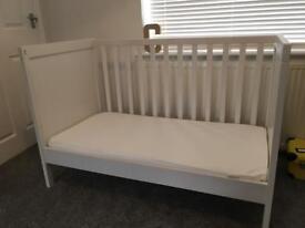 2 x Ikea sundvik cotbeds & mattresses