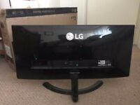 LG 29UM68-P Monitor 29inch 2560x1080 21:9 (Almost new! less than 1 years old)