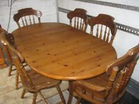 MODERN DUAL EXTENDING SOLID PINE TABLE & 6 PINE ORNATE FARMHOUSE CHAIRS. VIEWING/DELIVERY POSSIBLE