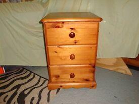 Solid Pine 3 drawer Bedside Unit