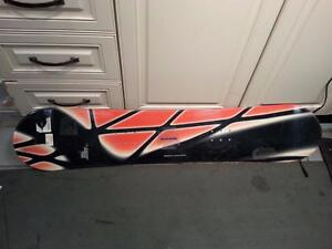 Lamar Snowboard. We sell used sporting goods. (#17144)