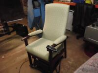 HIGH SEAT CHAIR WITH ELECTRIC LIFTER