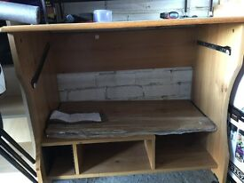 Computer table in an excellent condition