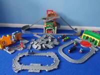 Thomas the tank engine take n play bundle