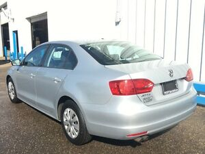 2012 Volkswagen Jetta Trendline *HEATED SEATS* Kitchener / Waterloo Kitchener Area image 3