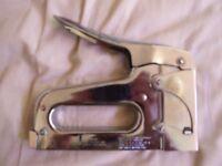 Staple gun heavy duty - max 14mm staple- arrow fastener - made in USA