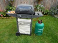 Gas barbecue plus TWO bottles