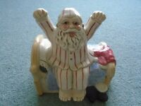CHINA DECORATED FATHER CHRISTMAS POT WITH LID