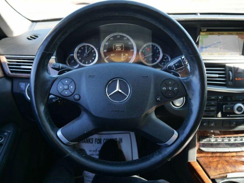 Image 21 Voiture Européenne d'occasion Mercedes-Benz E-Class 2011
