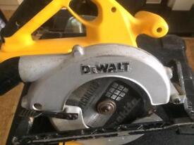 Dewalt Circular saw DW007