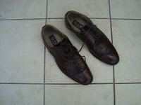 MEN'S BROWN BROGUE DRESS SHOES. SIZE 11. VERY GOOD CONDITION