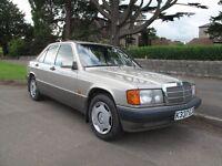 Mercedes 190E,