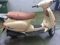 Piaggio Vespa ET2 49cc scooter