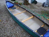 Discovery 169 Open Canoe - Perfect For Families Or Beginners