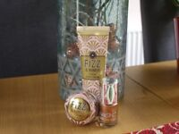 Fizz & Bubbles scented hand/nail/lips Christmas gift set x2