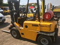 Clark 2.5 ton gas forklift great runner lifts well