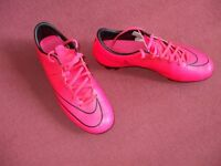 SIZE 7 PINK NIKE MERCURIAL FOOTBALL BOOTS