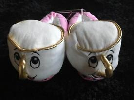 NEW Disney Chip slippers - M 5/6