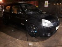 Clio RS 182 with cup packs