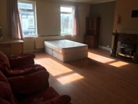 1 LARGE BEDROOM IN FLAT SHARE VERY NICE AND CLEAN