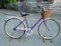 VINTAGE LADIES LADY RALEIGH CAPRICE BICYCLE BIKE 3 SPEED 1998 700c WHEELS