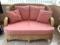 Wicker conservatory suite and 2 side tables