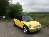 MINI COOPER 1,6 WITH FULL PANORAMIC ROOF ,FULL LEAHTER SEAT GREAT CAR TO DRIVE