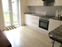 FANTASTIC LARGE 4 DOUBLE BEDROOM, 2 BATH HOUSE JUST 1 MIN WALK TO ZONE 3 NIGHT TUBE, 24 HOUR BUSES