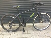 Immaculate condition Hybrid, ,£600 actually in shop, hydraulic fluid disc brakes, bike