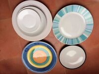 Lots of plates of different sizes for sale