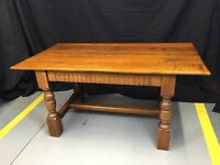 Solid oak table comp with 2 carver chairs and 2 standard