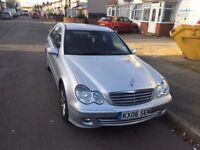 MERCEDES BENZ C CLASS 2 KEYS NICE AND CLEAN ENGINE PROBLEM