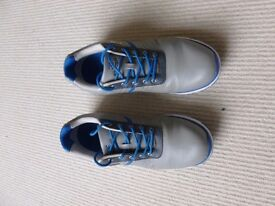 Stubert Men's Cyclone Event Spikeless Golf Shoes Size 9 only worn twice