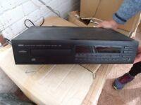 Yamaha CDX 560 compact disc player