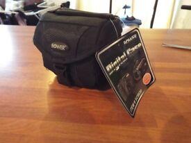 Bower digital camera/gadget case - small - NEW