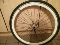 700c front wheel and tyre