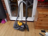 DYSON DC 19T2 MULTIFLOOR EXCELLENT CONDITION AND VERY STRONG SUCTION