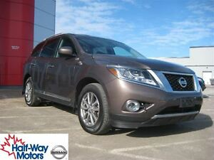 2015 Nissan Pathfinder SL | Luxurious!