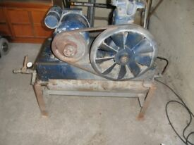 Air Compressor Unit Fully Functional with Air Lines and Pressure Guage