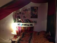 £250- Lovely double room to sublet from June-August in Kelvinbridge area, 5 mins from uni and subway