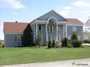 324 000$ - Maison 2 étages à vendre à Ste-Hélène-De-Bagot Saint-Hyacinthe Québec image 2
