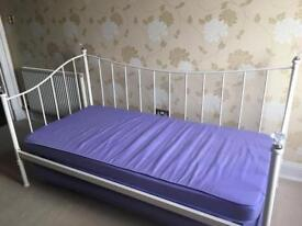 Day bed single to super king size