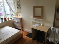🎈🎃🎃 amazing DOUBLE ROOM TO RENT ON OLD KENT ROAD ELEPHANT&CASTLE TWO BATHROOMS CLEANER TERRACE